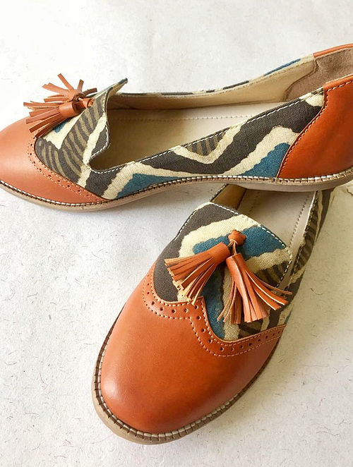 Multicolored Printed Cotton and Leather Shoes with Tassels