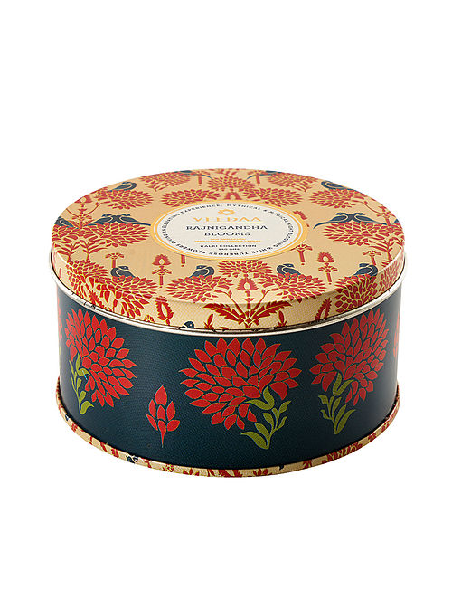 Rajnigandha Blooms 3 Wick Tin Scented Candle (Dia: 4.5in, H:2.3)