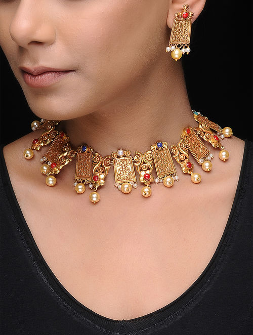 Multicolored Gold Tone Copper Pearl Beaded Necklace with a Pair of Earrings (Set of 2)
