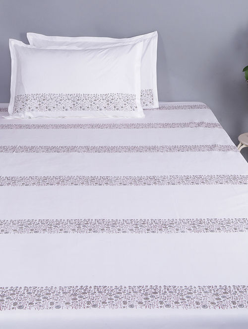 White-Grey Block-printed Glace Cotton Double Bedsheet with Pillow Covers (Set of 3)