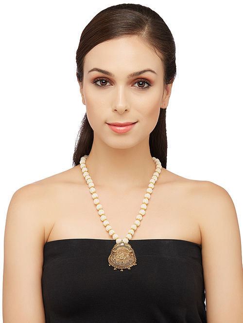 Pearl Gold-plated Silver Necklace with Deity Motif