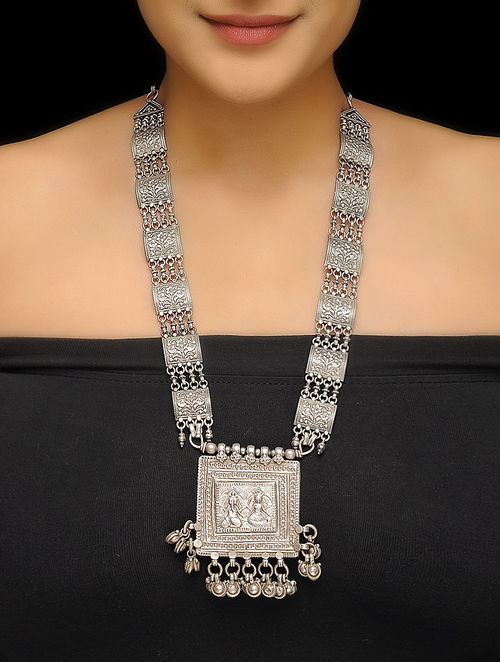 to fit vintage icon silver necklace wid exclusive pack in brand constrain pendant arrow prd with xxl antique chain asos