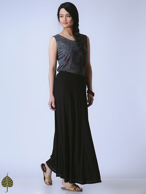 Black Knitted Viscose Slub Skirt with Zari Detail by Jaypore