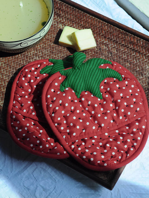 Red-Green Strawberry Hot Pad-Set of 2 10in x  7.5in