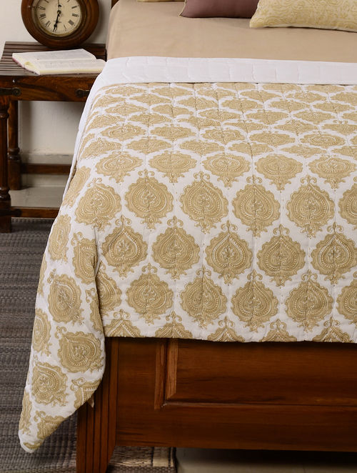 Leaf-Floral White-Beige Quilt 102in x 98in