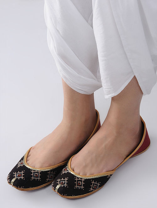 Black-Red Handcrafted Block-Printed Cotton and Leather Juttis