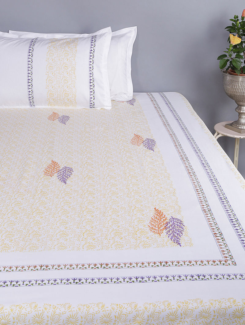 White-Yellow Block-printed Glace Cotton Double Bedsheet with Pillow Covers (Set of 3)(110in x 100in)