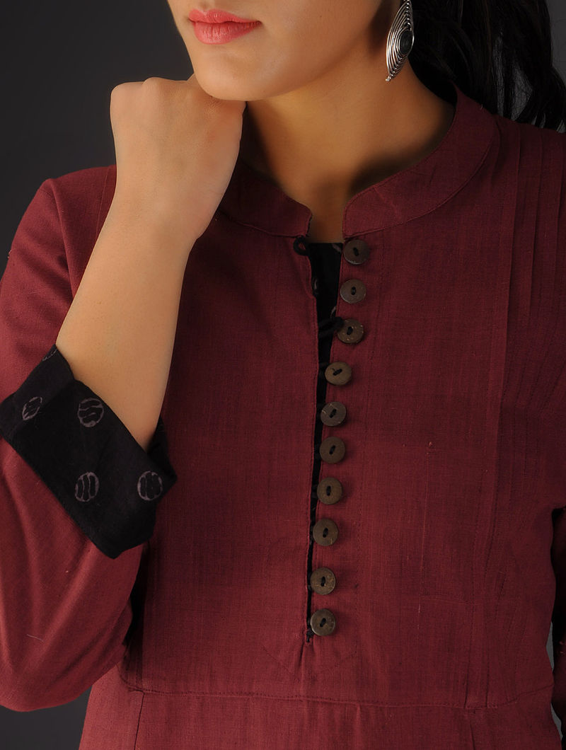 Red Pintuck Ajrakh Detailed Cotton Kurta By Jaypore