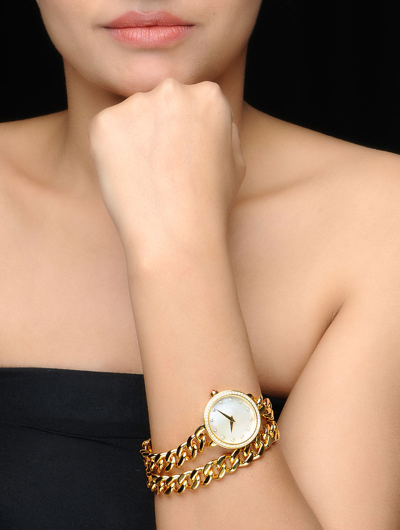 Bold Golden Wrist Watch