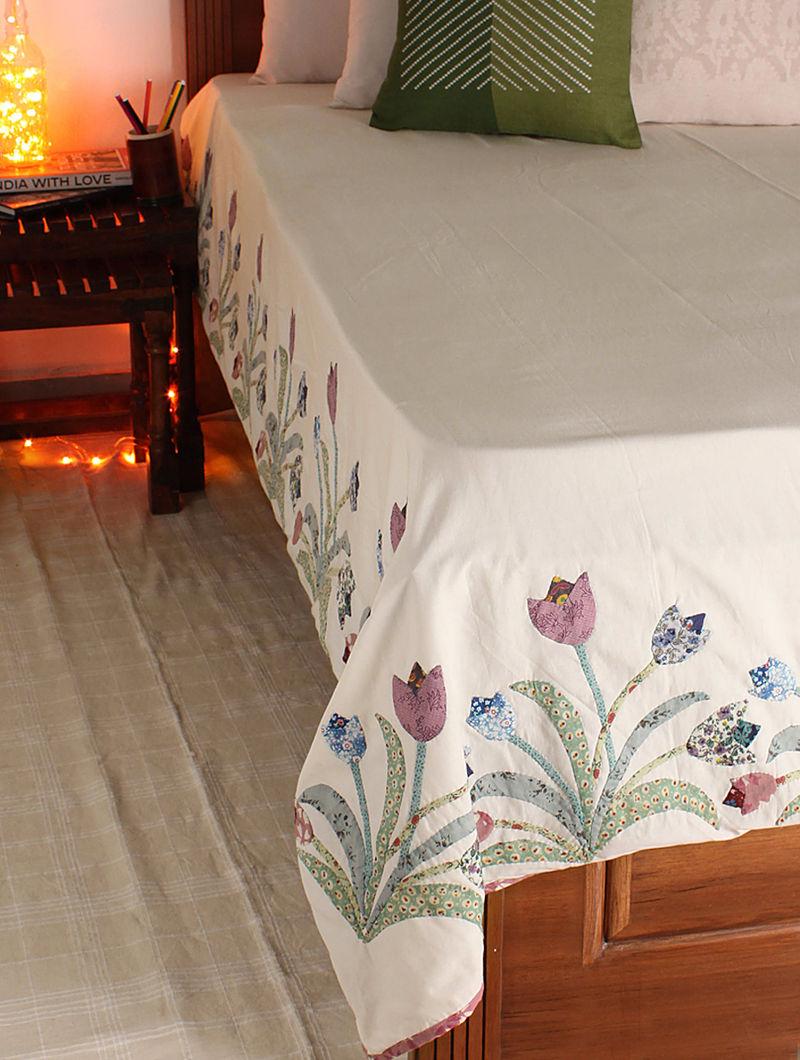 Multicolor Tulip Single Bed Cover 104in x  70in