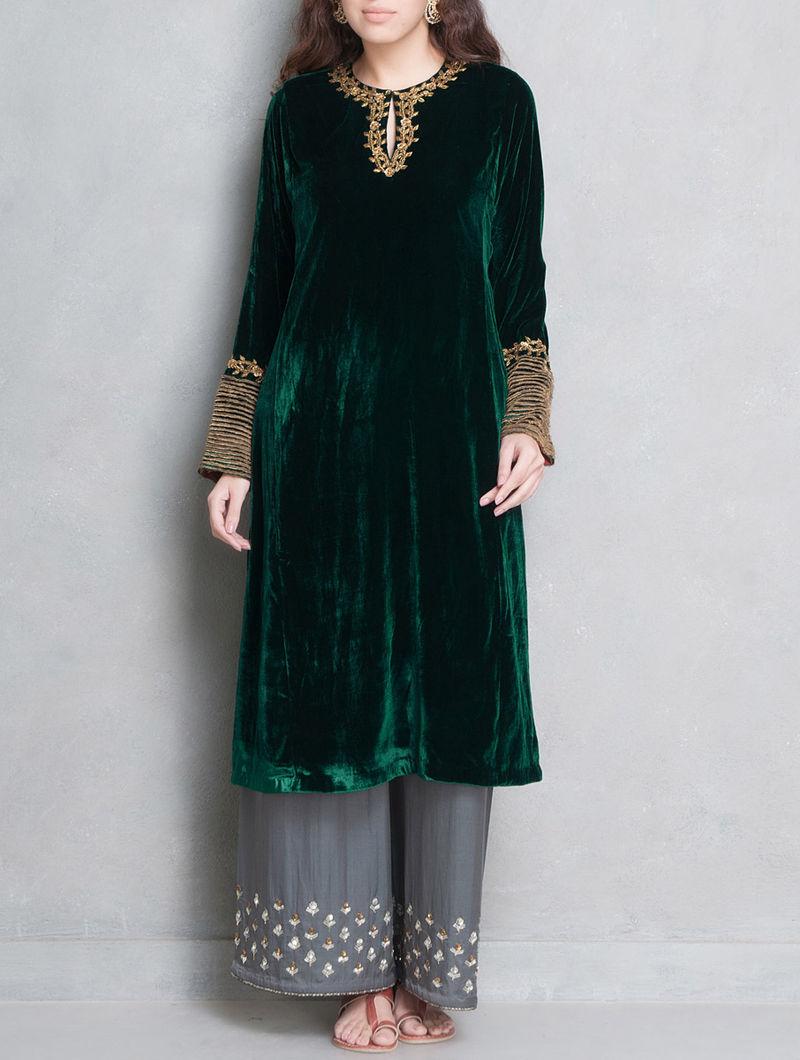 047f3d4937706 Green-Golden Sequin   Dabka Embellished Velvet-Silk Kurta