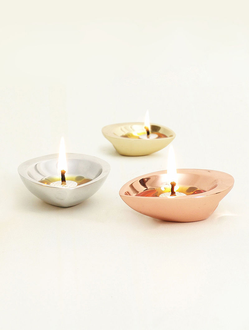 Diyas with Brass Finish (Set of 2) (L - 3.54in, W - 2.56in, H - 1in)